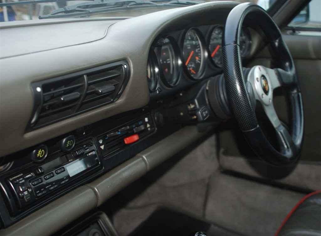 Porsche 930 interior
