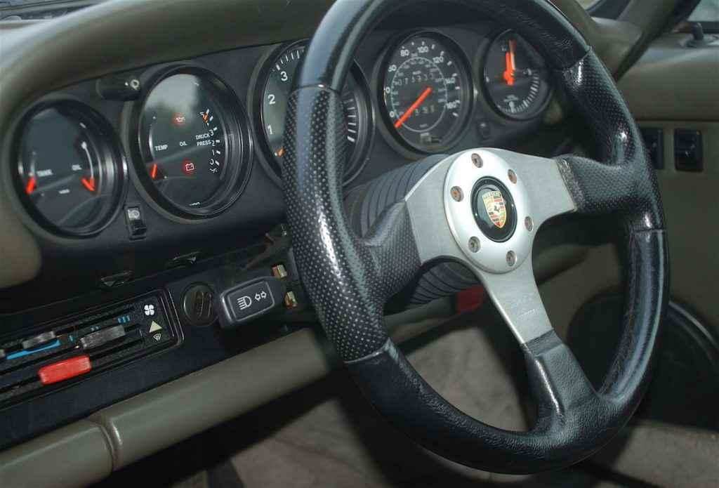 Porsche 390 Turbo interior