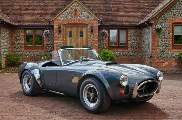 For Sale in Surrey: AC Cobra Lightweight