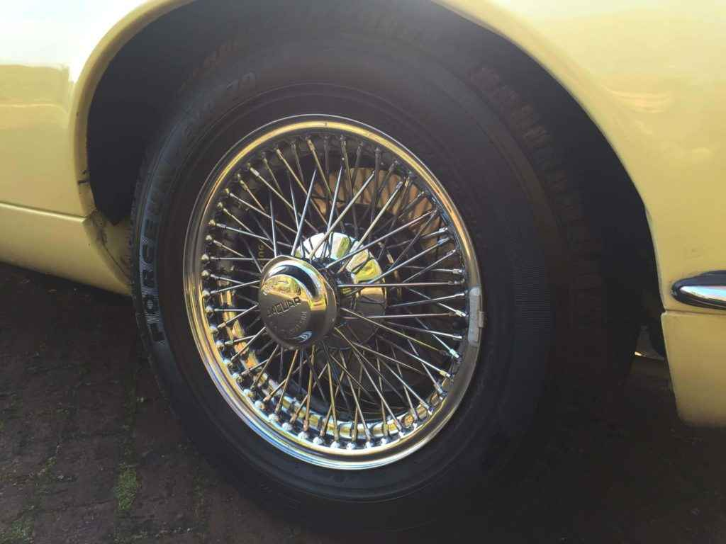 jaguary-etype-yellow-10
