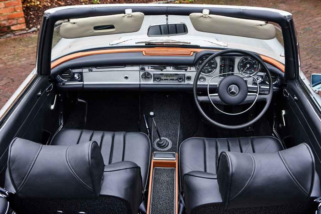 mercedes 280 sl interior