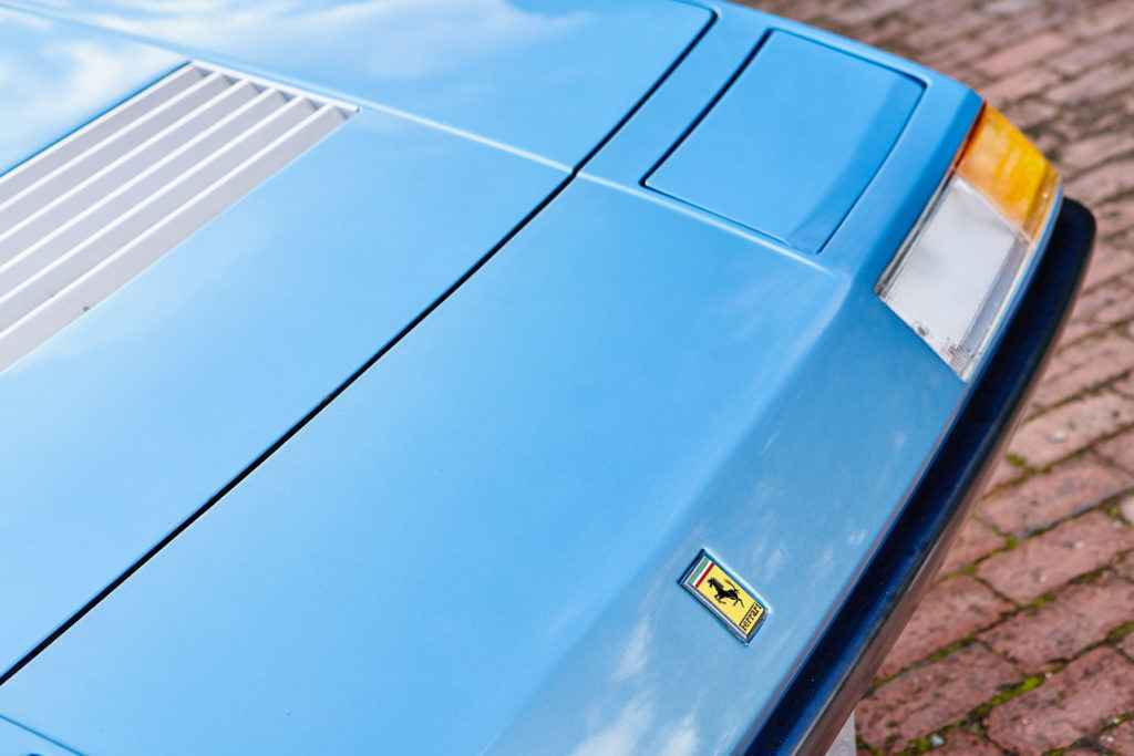 SR0072-Redline_Ferrari_400i-0014
